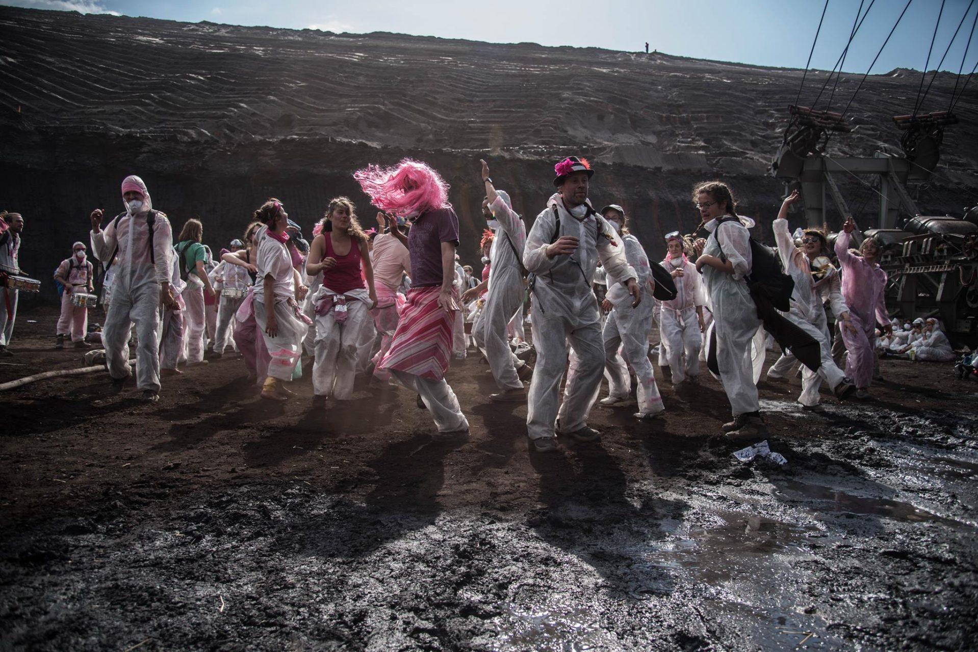 Ende Gelaende pink block danse 2