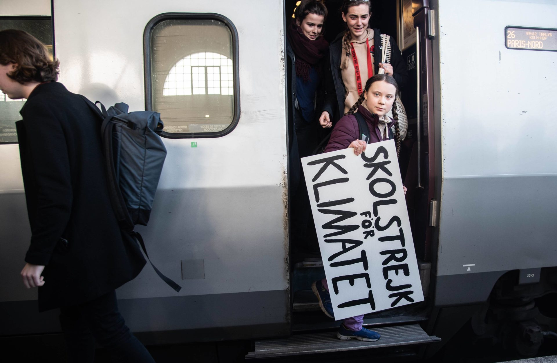 Greta Thunberg arrives in Paris by train